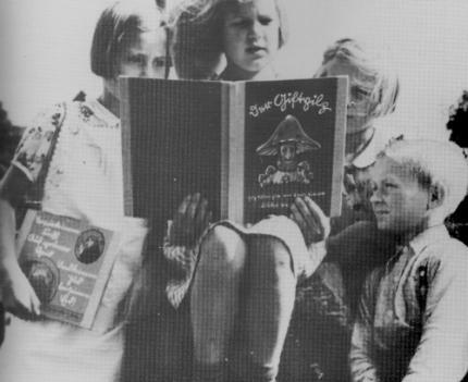 Recerca:  'Repensant el conte infantil des d'una perspectiva de gènere. Literatura no sexista a la ciutat de Terrassa'